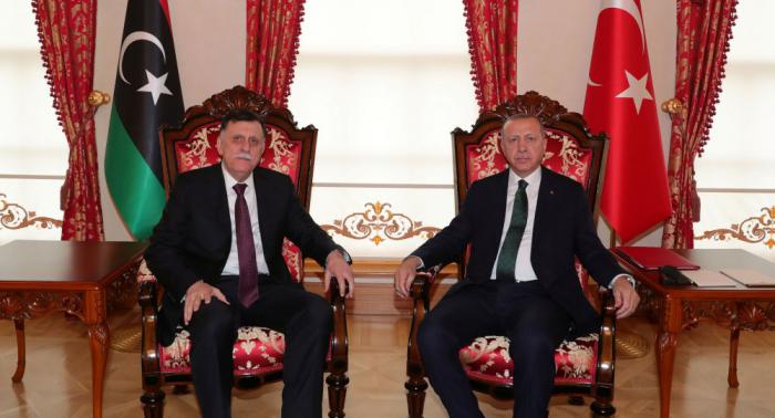 """أردوغان يحذر من تجدد """"الإرهاب الإسلامي"""" إذا سقطت الحكومة الليبية"""