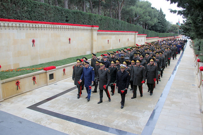 The military personnel of the Ministry of Defense visited the Alley of Martyrs