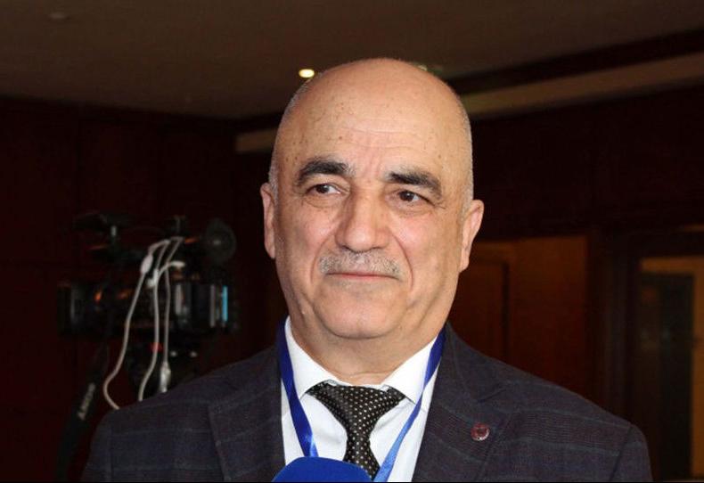 """""""Çindən gələn insanları nəzarətə götürməliyik"""" - Baş infeksionist"""