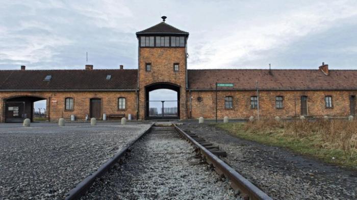 100.000 neue Twitter-Follower für Auschwitz-Museum