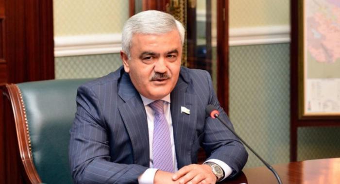 Rövnəq Abdullayev AFFA prezidentliyinə namizədliyini irəli sürüb