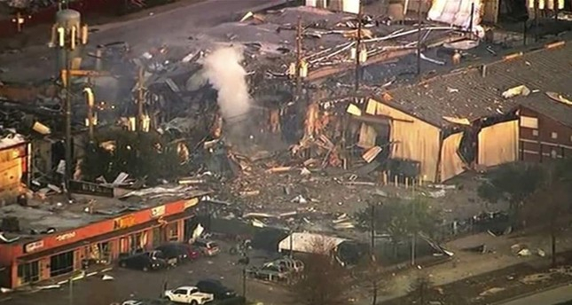 2 killed in Houston warehouse explosion
