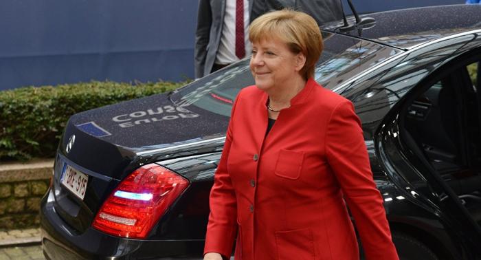 هدية أردوغان تبعث السعادة لدى ميركل... صور