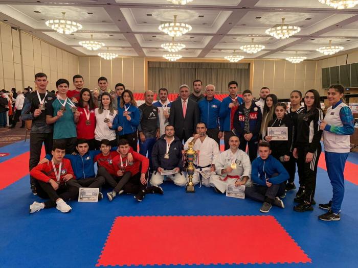 Karateçilərimiz 21 medal qazanıb