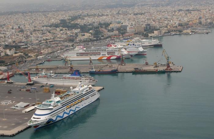Yunanıstan on limanı satışa çıxaracaq