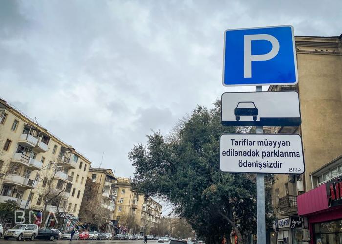 Pulsuz parklanma ilə bağlı sürücülərə müraciət