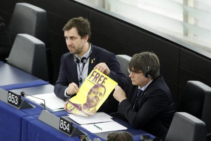 Catalan separatist leaders take up MEP seats in blow to Madrid