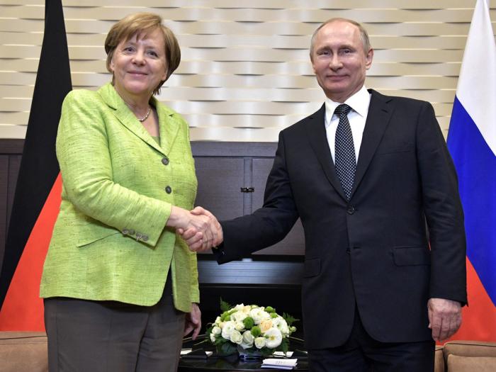 Merkel Moskvaya gedir - Bu gün Putinlə görüşəcək