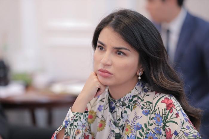 Özbəkistan Prezidentinin qızı istefa verib - FOTO