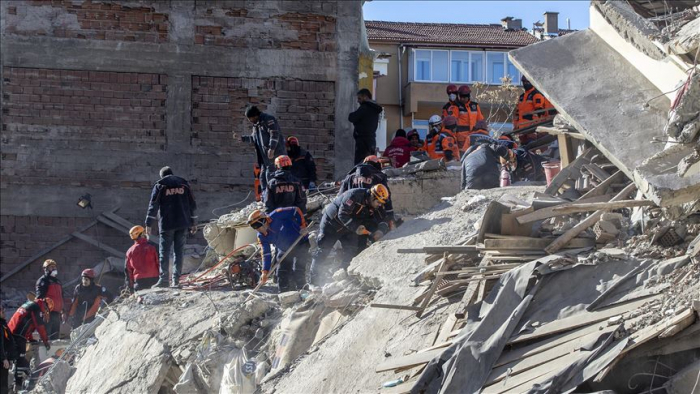 Dozens pulled from rubble as Turkey quake toll hits 35 - UPDATED