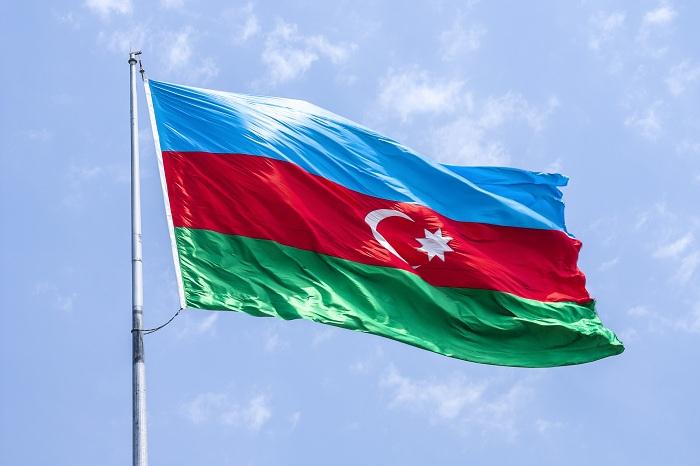 Dövlət bayrağı ilə bağlı qaydalarda dəyişiklik edildi