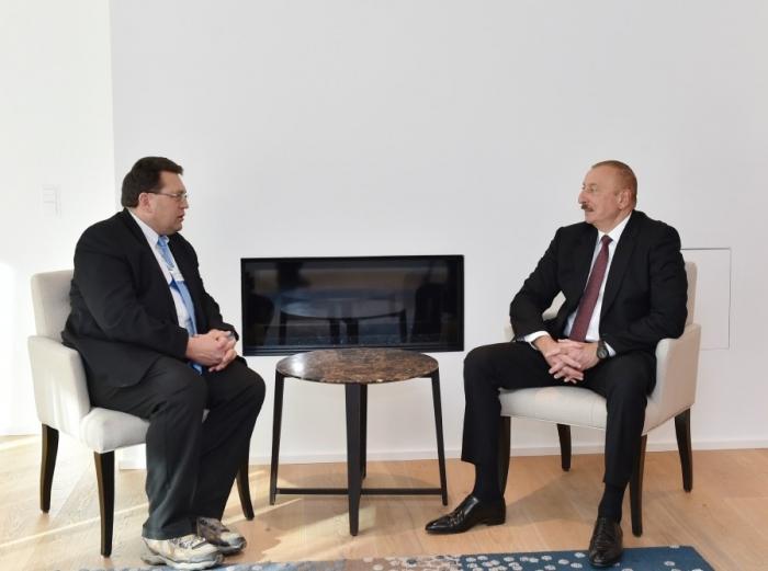 Entretien du président azerbaïdjanais avecle maire de Montreux àDavos
