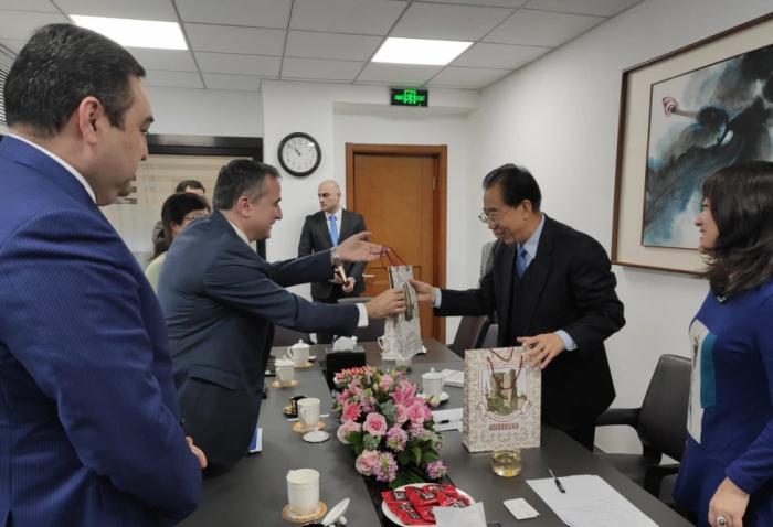 """En China, se discutieron proyectos bajo la iniciativa """"La Franja y la Ruta"""""""