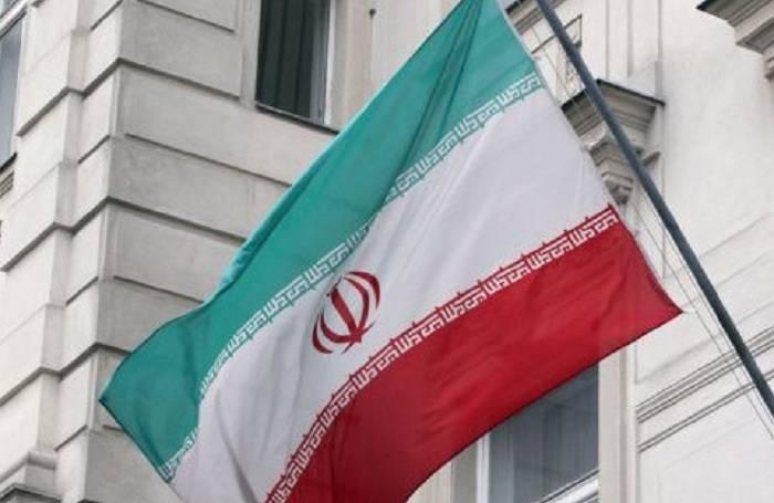 İranın Bakıdakı səfirliyində bayraq endirildi