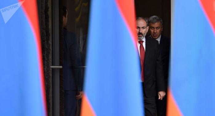 """""""Saray intriqaları""""nın böyük ustası - Karapetyanın istefasının səbəbləri"""