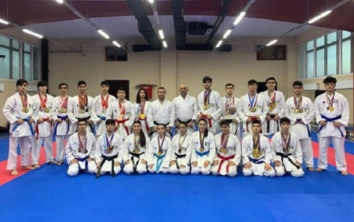 Karateçilərimiz beynəlxalq turnirdə 10 medal qazanıb