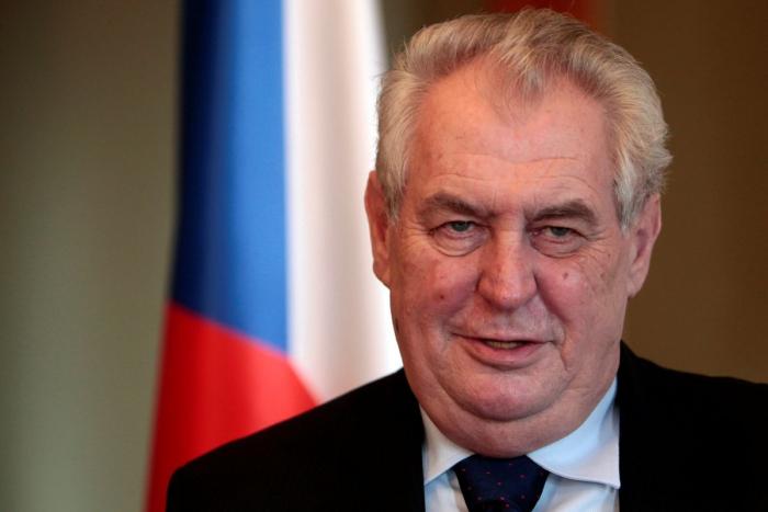 Çexiya Prezidenti Putini güclü siyasətçi adlandırdı