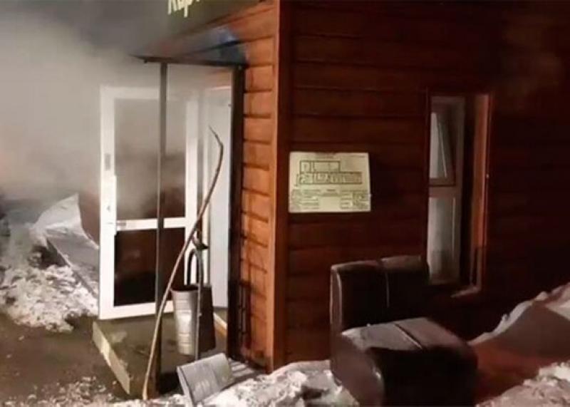Rusiyada oteli su basdı, 6 nəfər öldü - VİDEO
