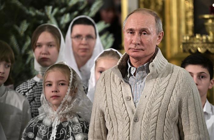 Putin bayramda 204 minlik jaket geyinib