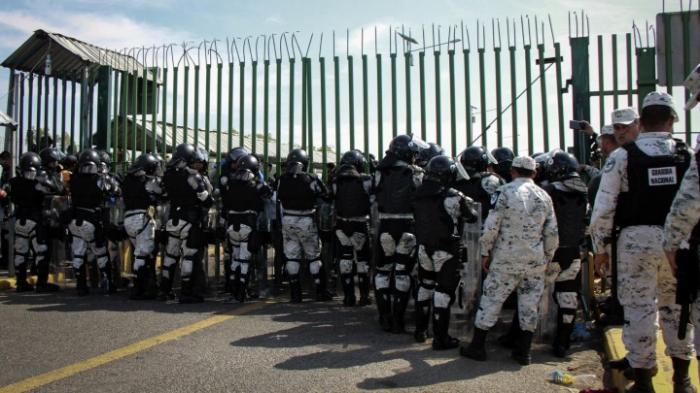 Erneute Zusammenstöße zwischen Migranten und Soldaten