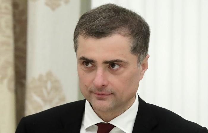 Putinin köməkçisi vəzifəsindən ayrıldı