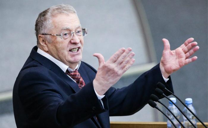 Jirinovski Rusiya himninin uzun olmasından şikayətləndi