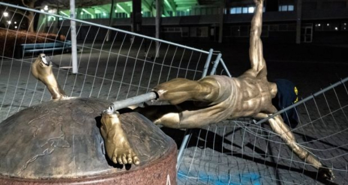 Zlatan Ibrahimovic's statue in Malmo completely destroyed