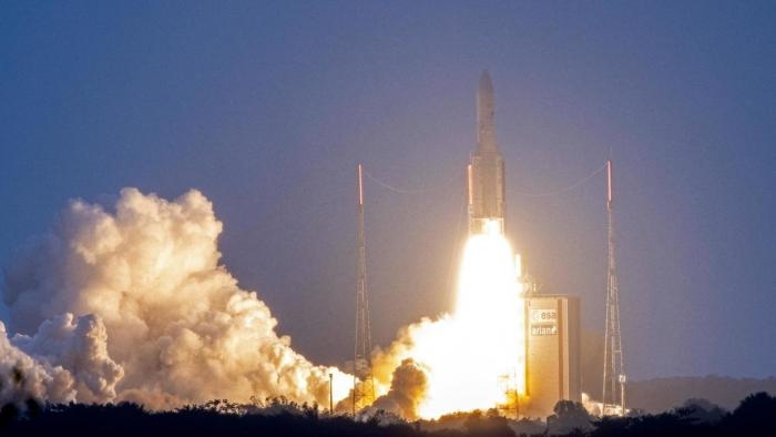 Ariane 5 lance deux satellites de télécommunications