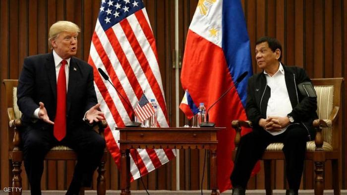 """بعد إلغاء معاهدة عسكرية.. ترامب لرئيس الفلبين: """"بتوفروا"""""""
