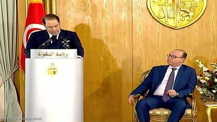 رئيس الحكومة التونسية الجديد يتسلم مهامه رسميا