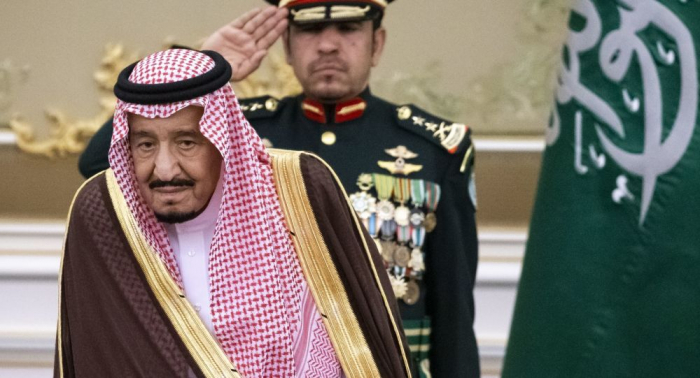 رئيس الجزائر يعزي الملك سلمان