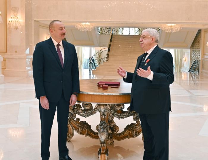 """Prezident Mixail Qusmana """"Şərəf"""" ordenini təqdim etdi — FOTO"""