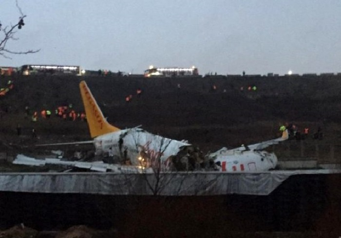 Three killed asplane skids off runway at airport in Istanbul - UPDATED