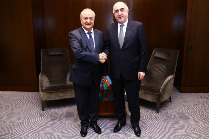 Azerbaijani, Uzbek FMs meet in Baku