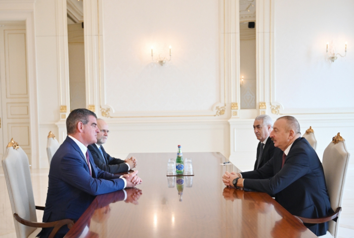 Aserbaidschanischer Präsident empfängt Peter Spuhler