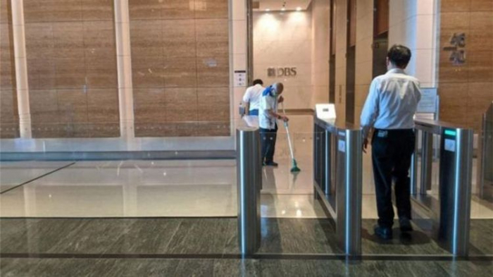 Singapore bank evacuated over coronavirus case