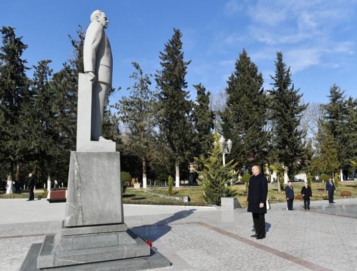 Präsident Ilham Aliyev kommt zu Besuch in den Bezirk Kurdamir