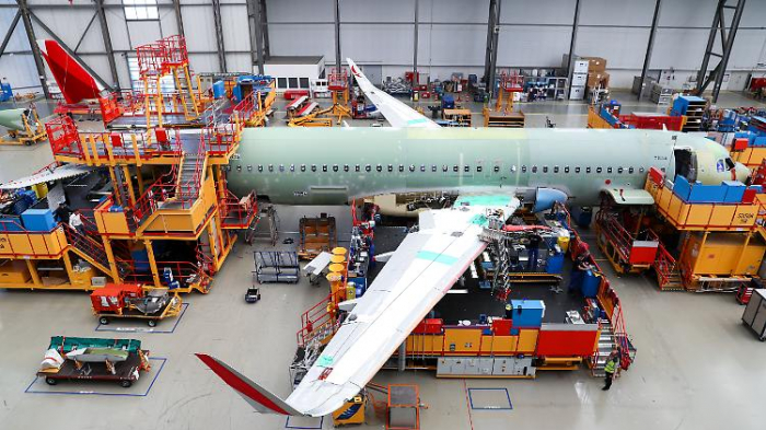 Strafzahlungen reißen Airbus ins Minus