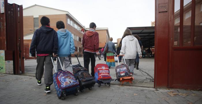 Coto al ciberacoso:   prohibido el uso del móvil en el recreo del colegio