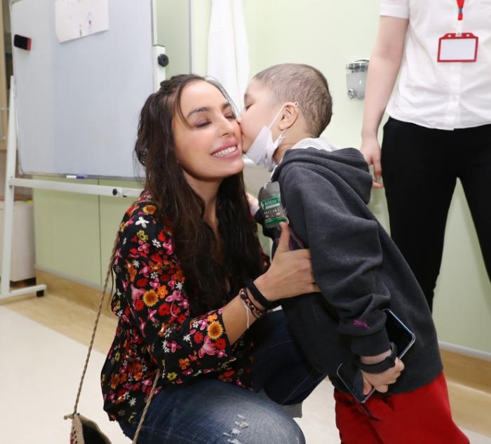 Vizepräsidentin der Heydar Aliyev-Stiftung Leyla Aliyeva trifft tumorkranke Kinder