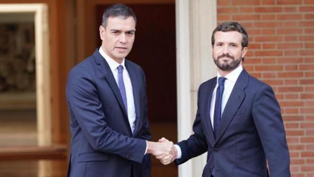 Sánchez y Casado se reúnen el lunes en La Moncloa tras romper todos los puentes