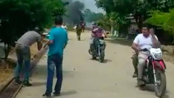 Un carro bomba estalla cerca de una base militar en Colombia