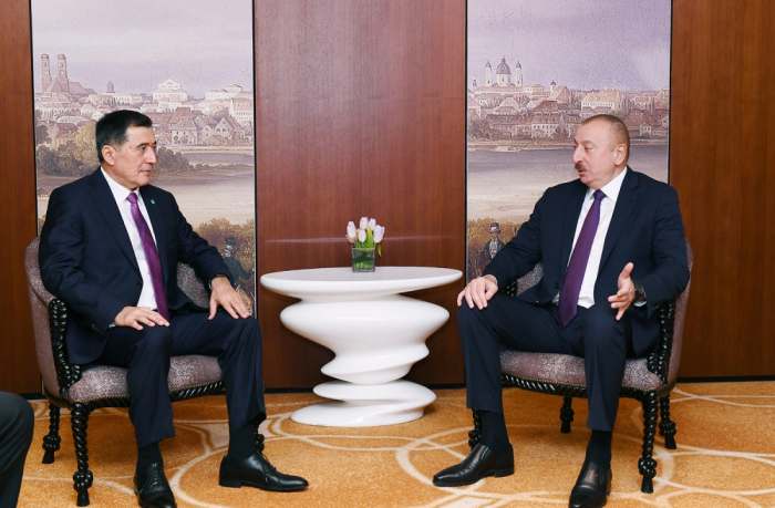 Ilham Aliyev se reúne con el Secretario General de la OCS