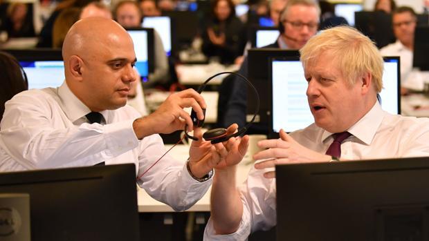 Dimite por sorpresa el ministro de Finanzas de   Johnson   en plena remodelación del Gobierno