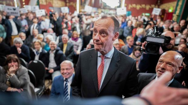 Friedrich Merz arranca su campaña oficiosa por la sucesión de Merkel