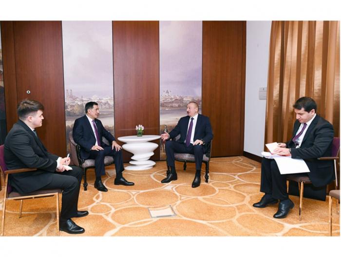 Präsident Aliyev trifft sich mit Generalsekretär der Shanghaier Organisation für Zusammenarbeit in München