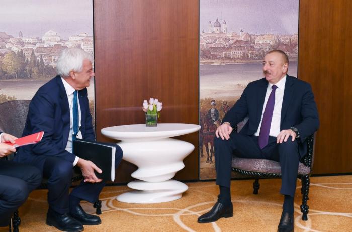 President Ilham Aliyev meets Leonardo