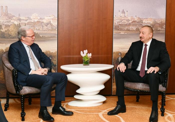 Prezident Dünya Bankının icraçı direktoru ilə görüşüb - FOTOLAR (YENİLƏNİB)
