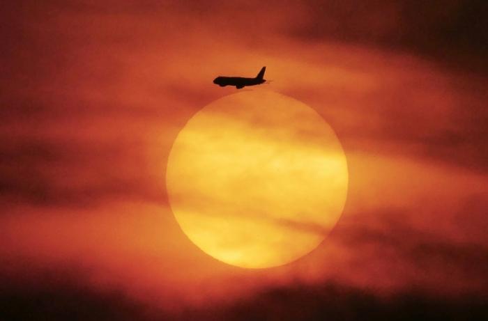 Zahl der Fluggäste erreicht  neuen Rekord  - Wachstum schwächt sich aber ab