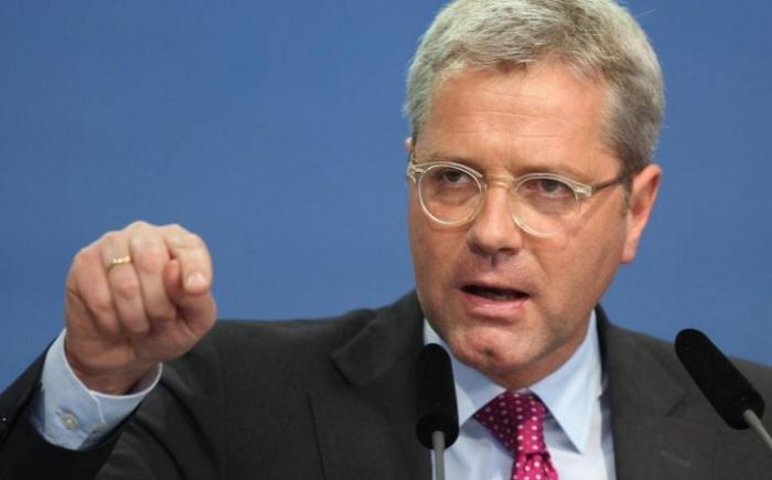 Röttgen will CDU-Entscheidung vor Sommerpause - Merkel soll bleiben